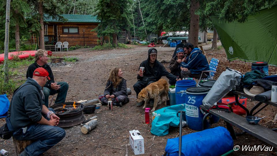 Carmacks - Campground - Lagerfeuer mit Gleichgesinnten