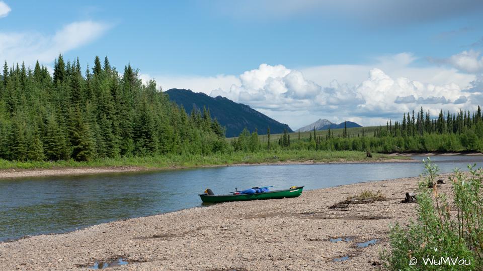 Inselcamp vor der Mündung des Teslin in den Yukon